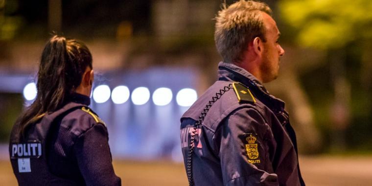 Officerer anholdt
